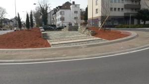 Nachbau einer altrömischen Kreuzung im Praunheimer Kreisel